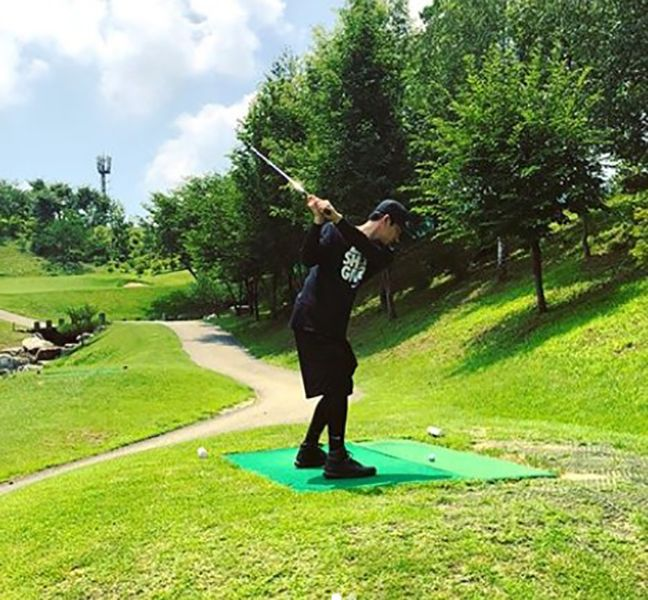 Oh Chang-seok Playing Golf