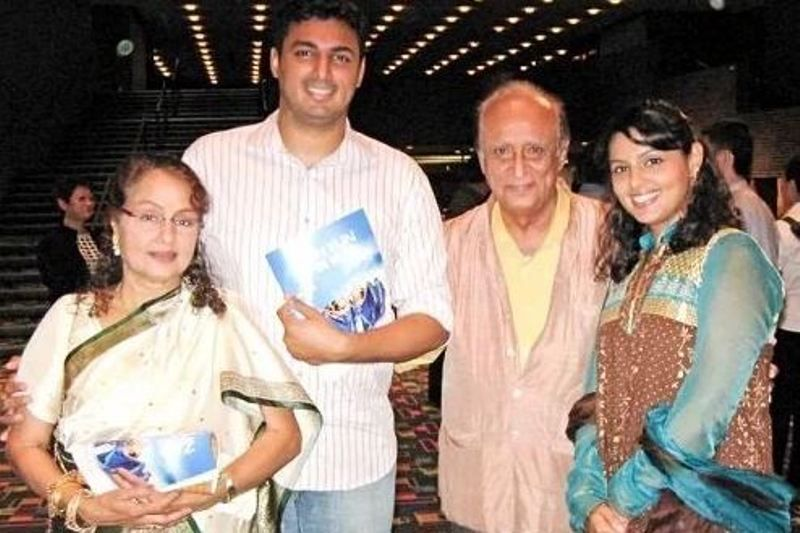 Padma Khanna With Her Husband and Children