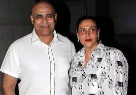 Puneet Issar with his wife