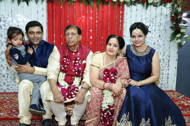 Shweta Jha With Her Parents, Husband, and Son