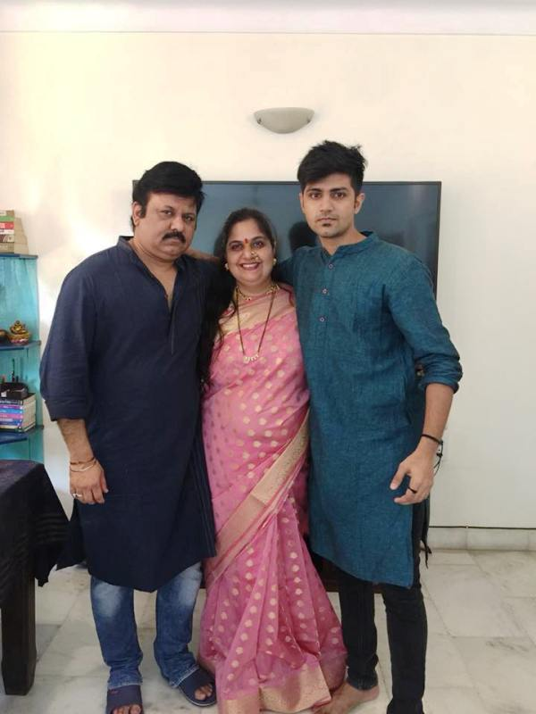 Vandana Pathak With Her Husband and Son