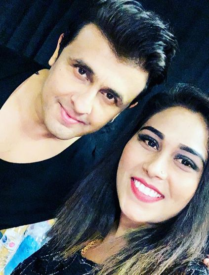 Afsana Khan with Sonu Nigam