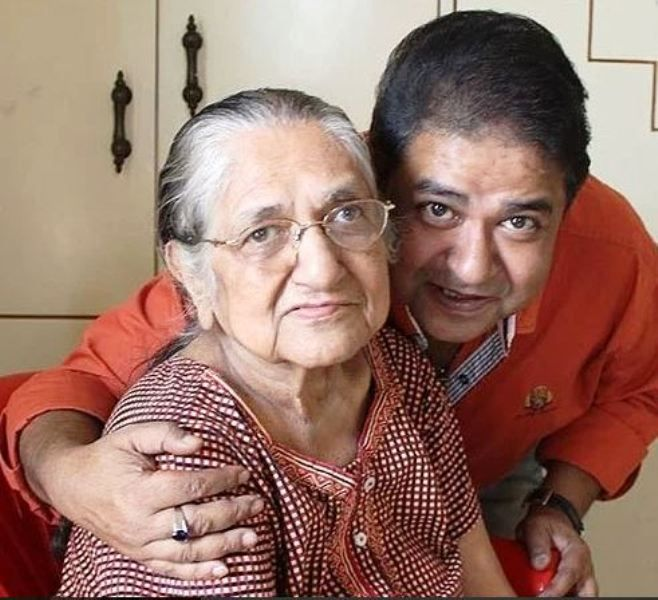 Ashiesh Roy With His Mother