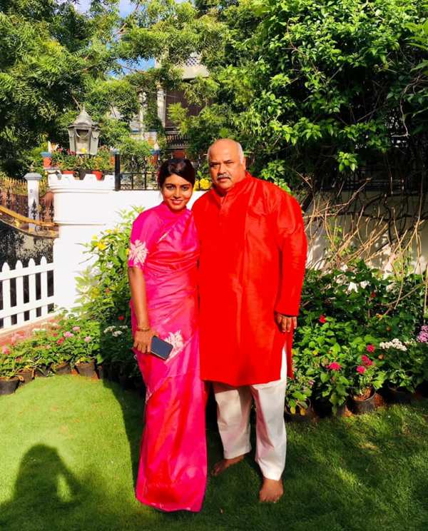 Beela Rajesh With Her Husband Rajesh Das