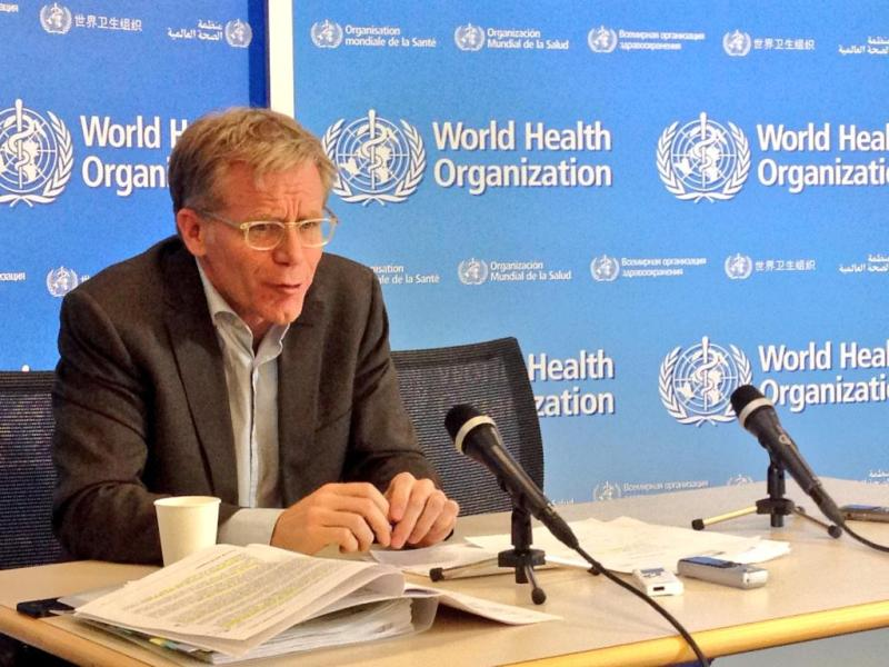 Bruce Aylward addressing a conference at the WHO