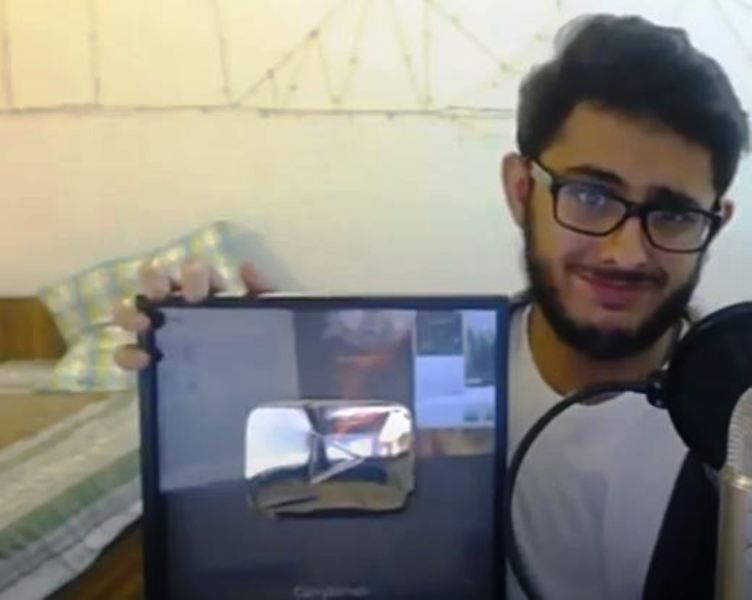 CarryMinati With His Diamond Play Button