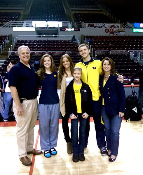 Elle Leonard with her Family
