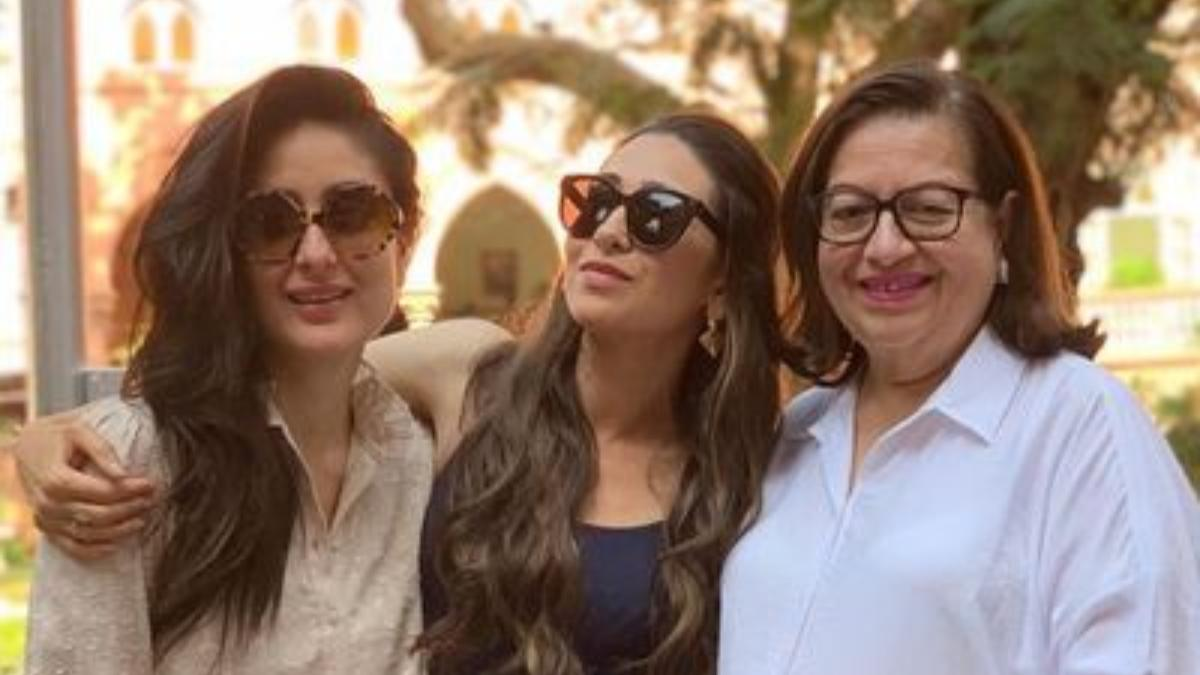 Karishma Kapoor with her sister and mother