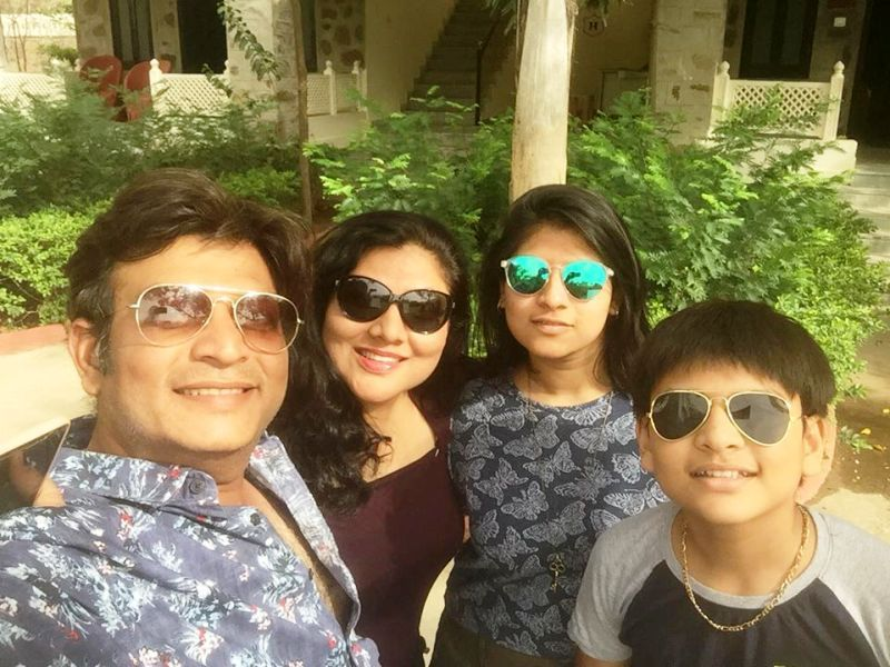 Pinky Parikh With Her Family