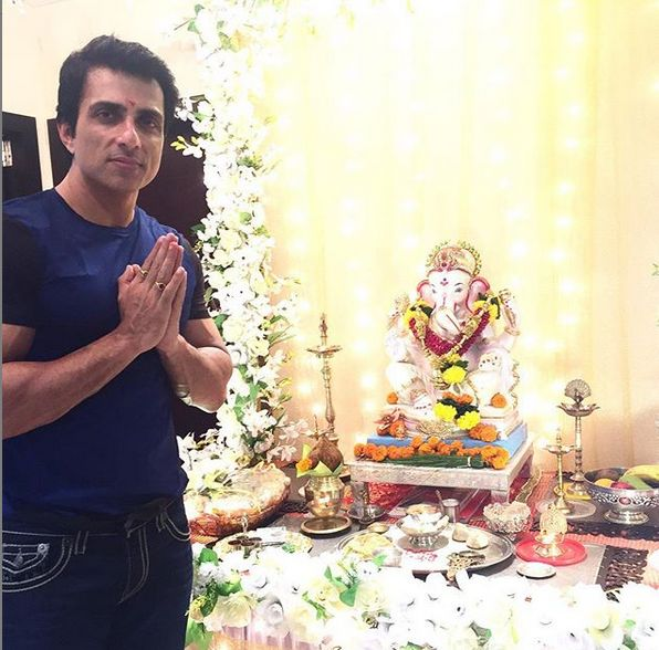 Sonu Sood praying to Lord Ganesha