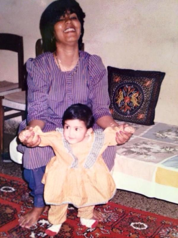 A Childhood Picture of Rhea Chakraborty With Her Mother