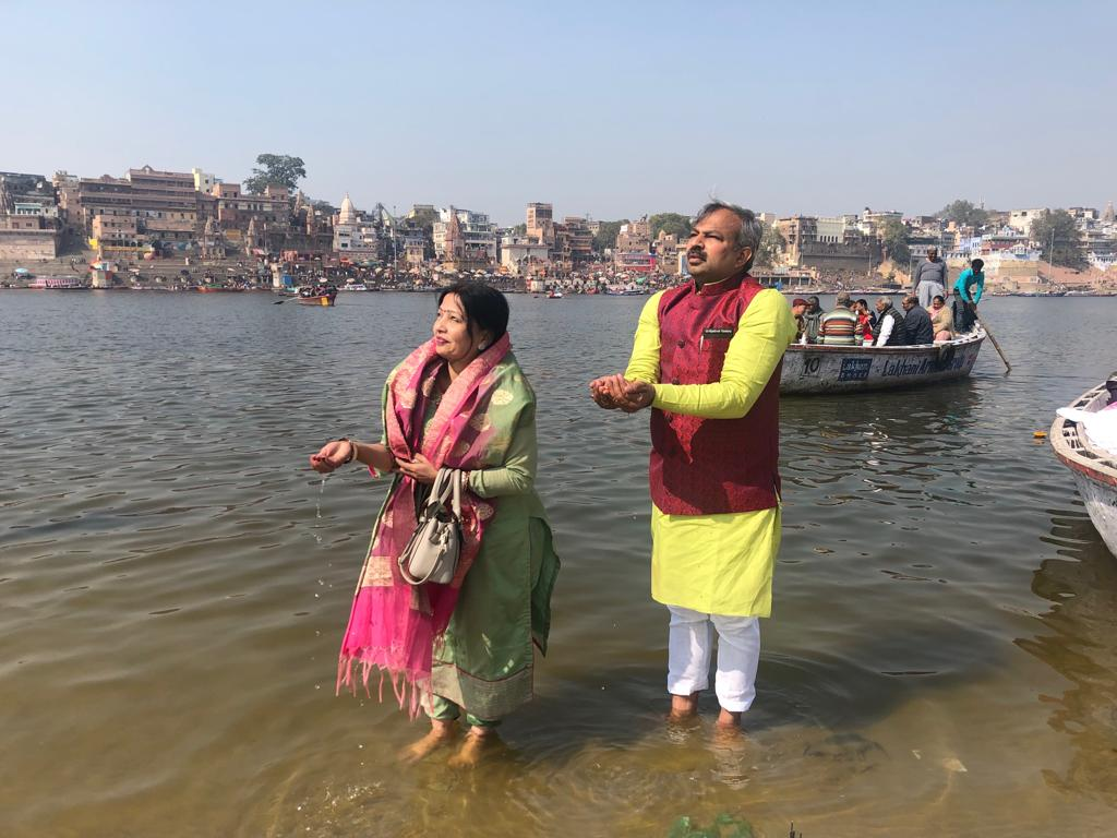 Adesh Kumar with wife in Varanasi