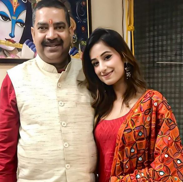 Maera Mishra with her father