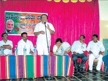 Mukhyamantri Chandru addressing a rally as a member of BJP