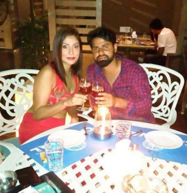 Pooja Misrra in a Restaurant