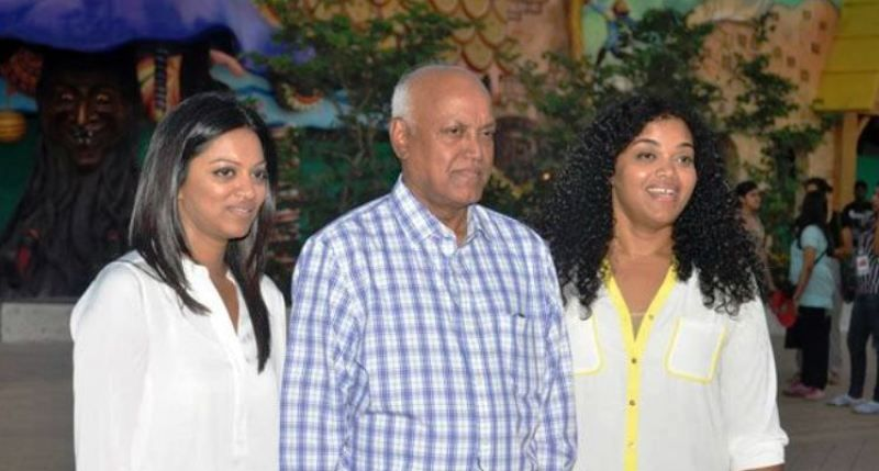 Pooja Shetty With Her Father and Sister