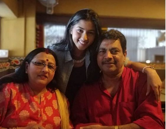 Ragini Chandran with her parents