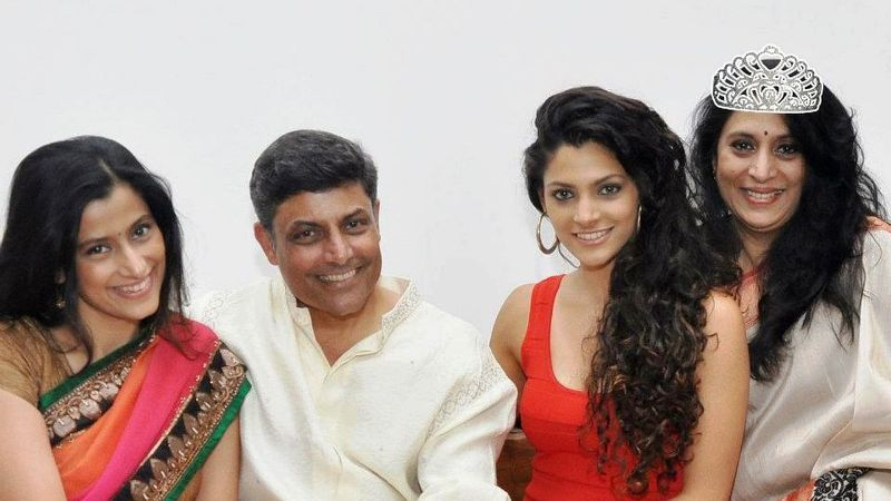 Saiyami Kher With Her Parents and Sister
