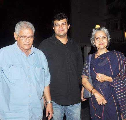 Siddharth Roy Kapur with his parents