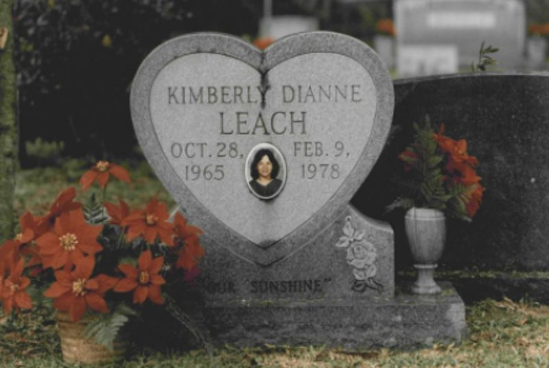 The gravestone of Kimberly Leach