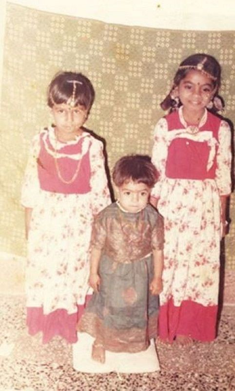A Childhood Picture of Rajshri Deshpande With Her Sisters