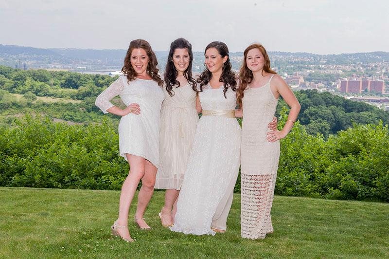 Bari Weiss (2nd from right) With Her Sisters