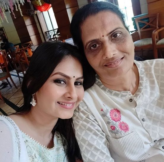 Ekta Saraiya with her mother