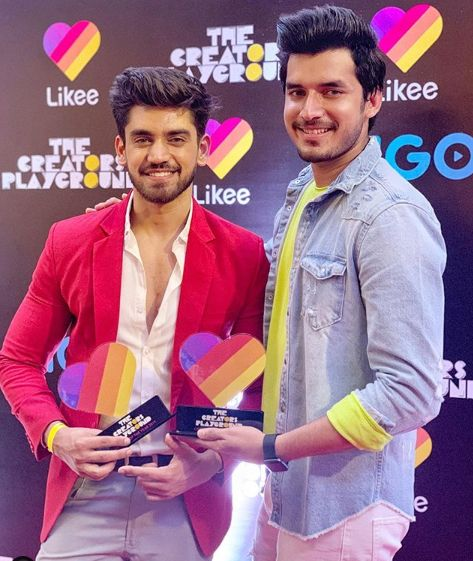 Paras Kalnawat with Like Award