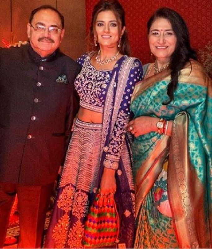 Ridhi Dogra With Her Parents