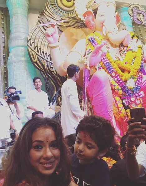 Rupali Ganguly with the idol of Lord Ganesha