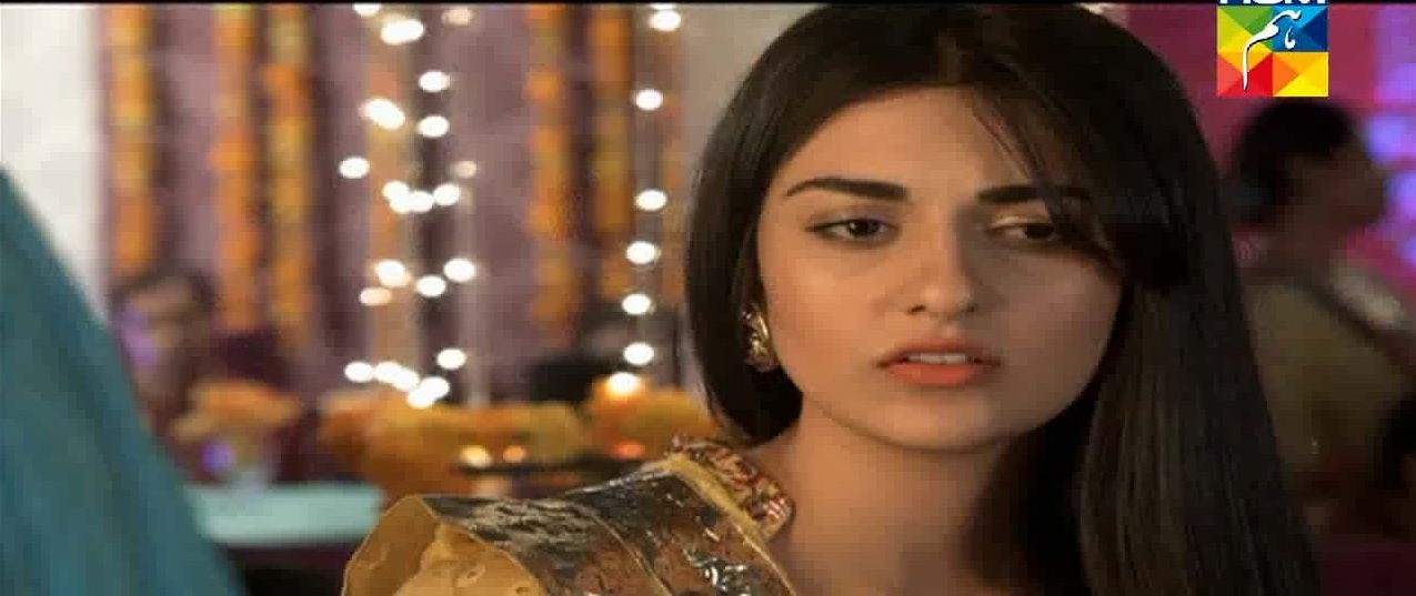 Sarah Khan in Alvida
