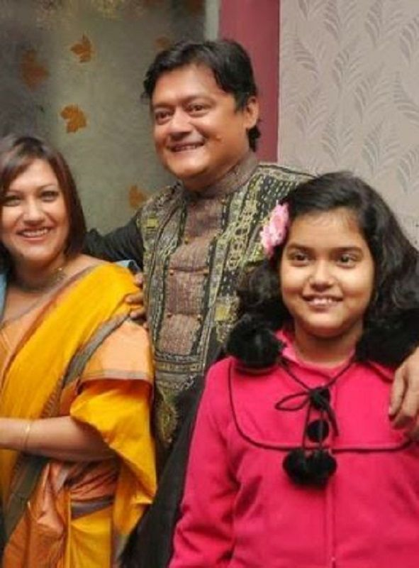 Saswata Chatterjee With His Wife and Daughter