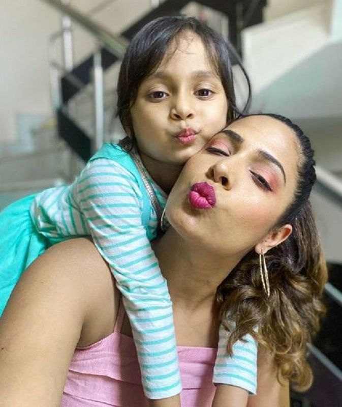 Shruti Arjun Anand and Her Daughter