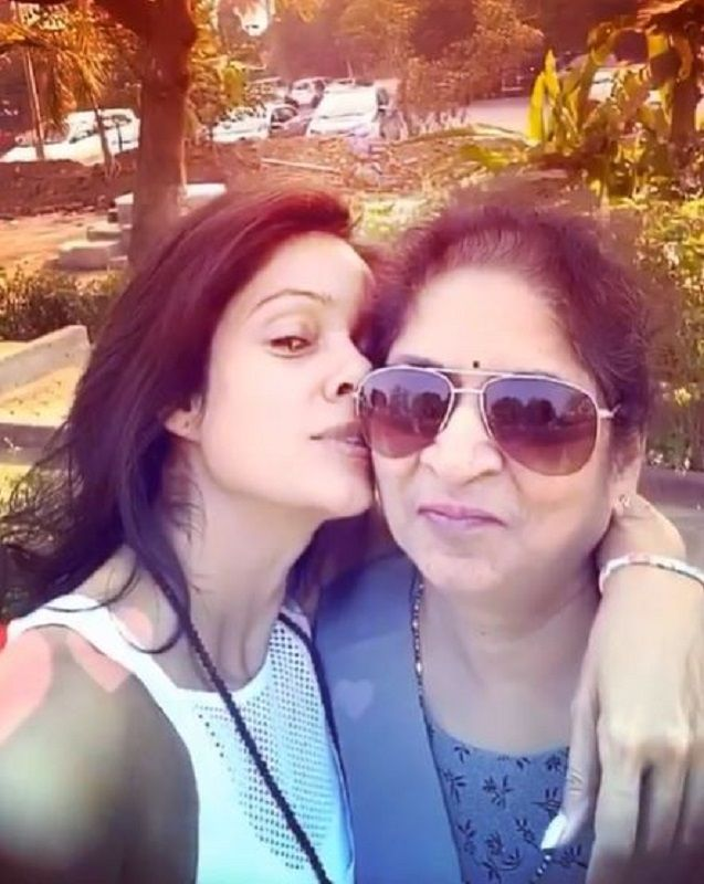 Vidya Malvade With Her Mother