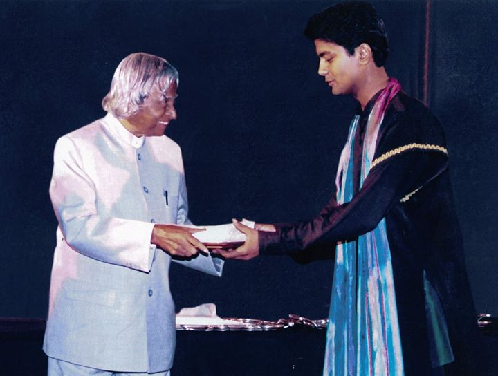 Vikas Kumar Being Felicitated by Dr. A.P.J. Abdul Kalam