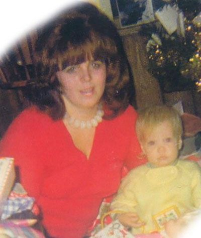 Childhood Picture of Sage Robbins with her Mother
