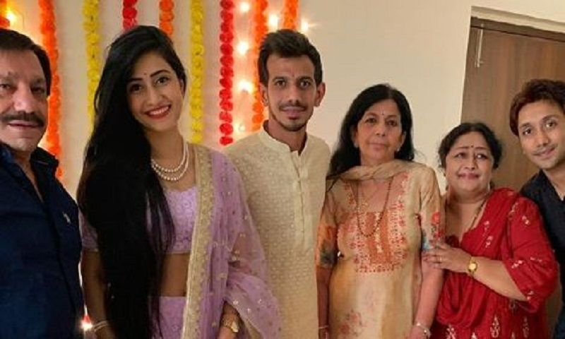 Dhanashree Verma and Yuzvendra Chahal at Their Roka Ceremony With Their Family