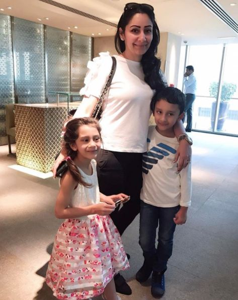 Iqra Dutt with her brother and mother
