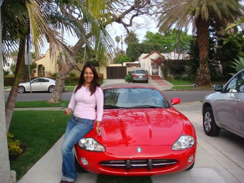 Kashmera Shah With Her Car