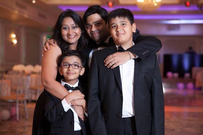 Kiku Sharda With His Wife and Sons