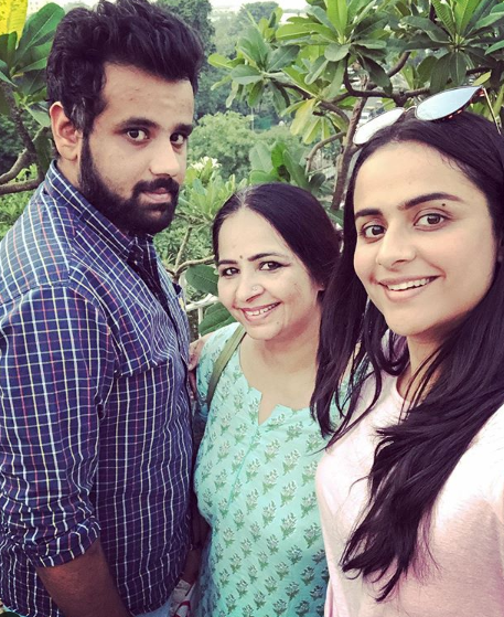Prachi Tehlan with her mother and brother