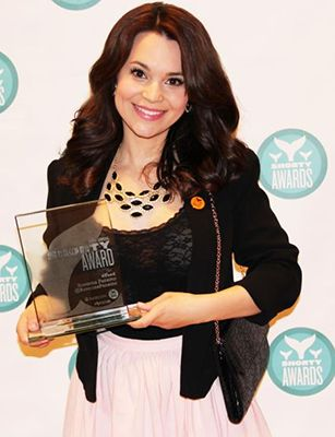 Rosanna Pansino with her Shorty Award