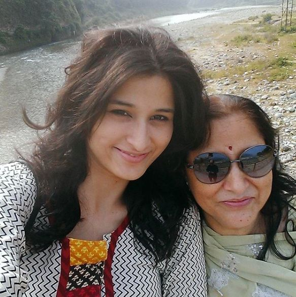 Sheen Dass with her mother