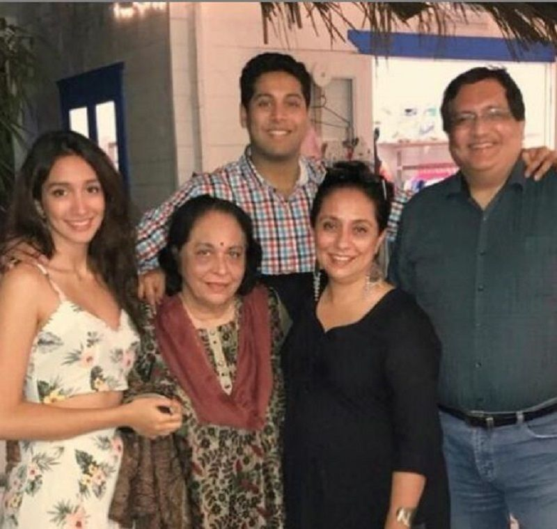 Shreya Chaudhary With Her Family