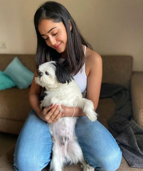 Tridha Choudhury with her pet dog