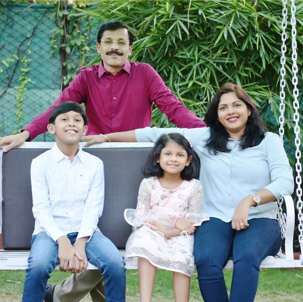 Tukaram Mundhe along with his wife and children