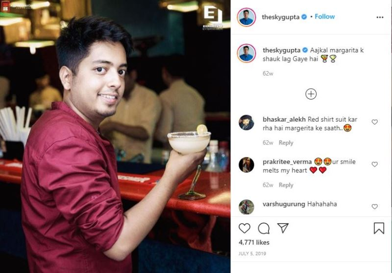 Aakash Gupta having cocktails