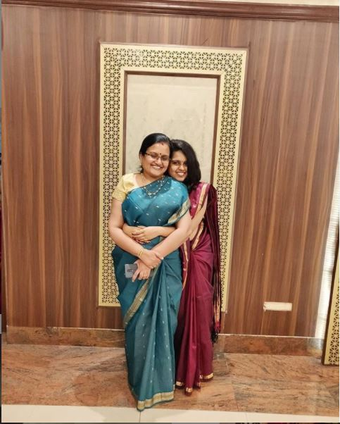 Aishwarya Mohanraj with her mother Krishna Pallat
