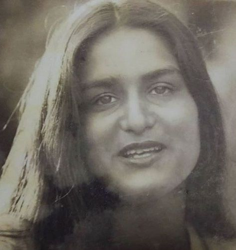 Anita Dheer's Old Picture