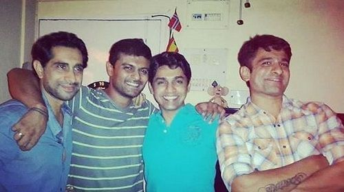 Eijaz Khan With His Friends